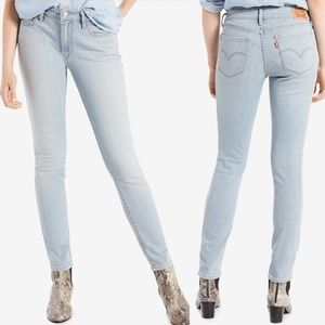 Levi's Womans 711 Skinny Jeans In Light Wash